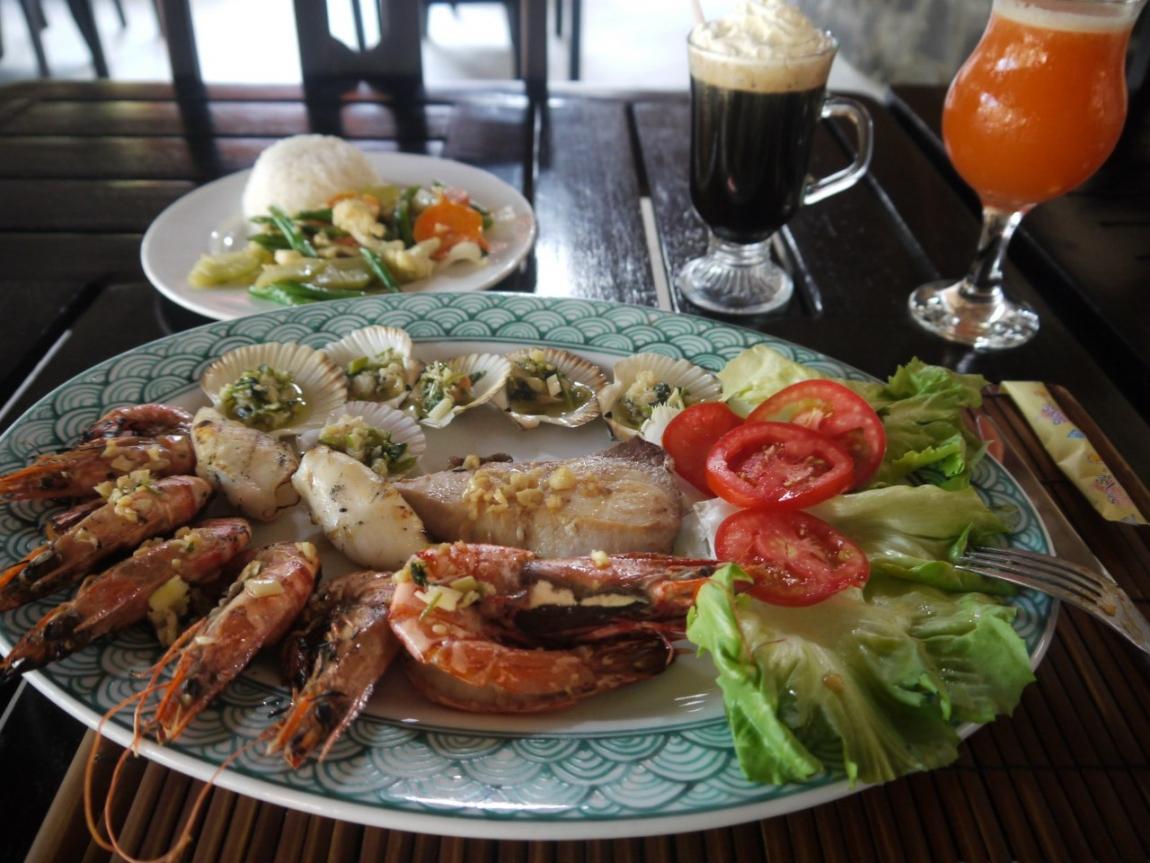 сколько стоит поесть во Вьетнаме