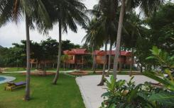Отель Cay Sao Beach Resort на Фукуоке с собственным пляжем