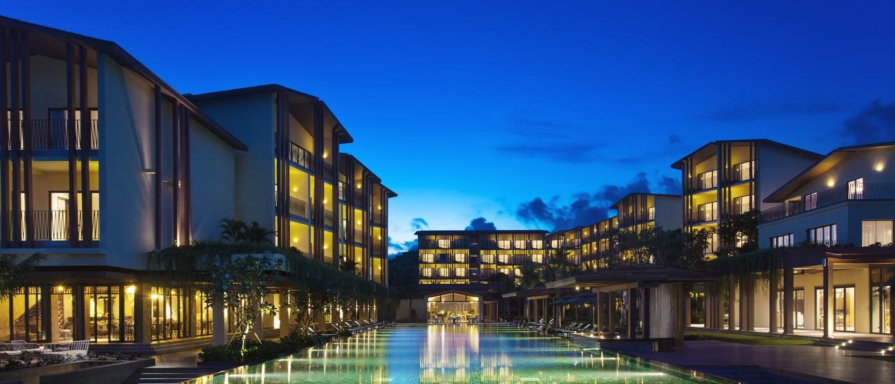 Отель Dusit Princess Moonrise Beach Resort 5* на Фукуоке на 1 линии