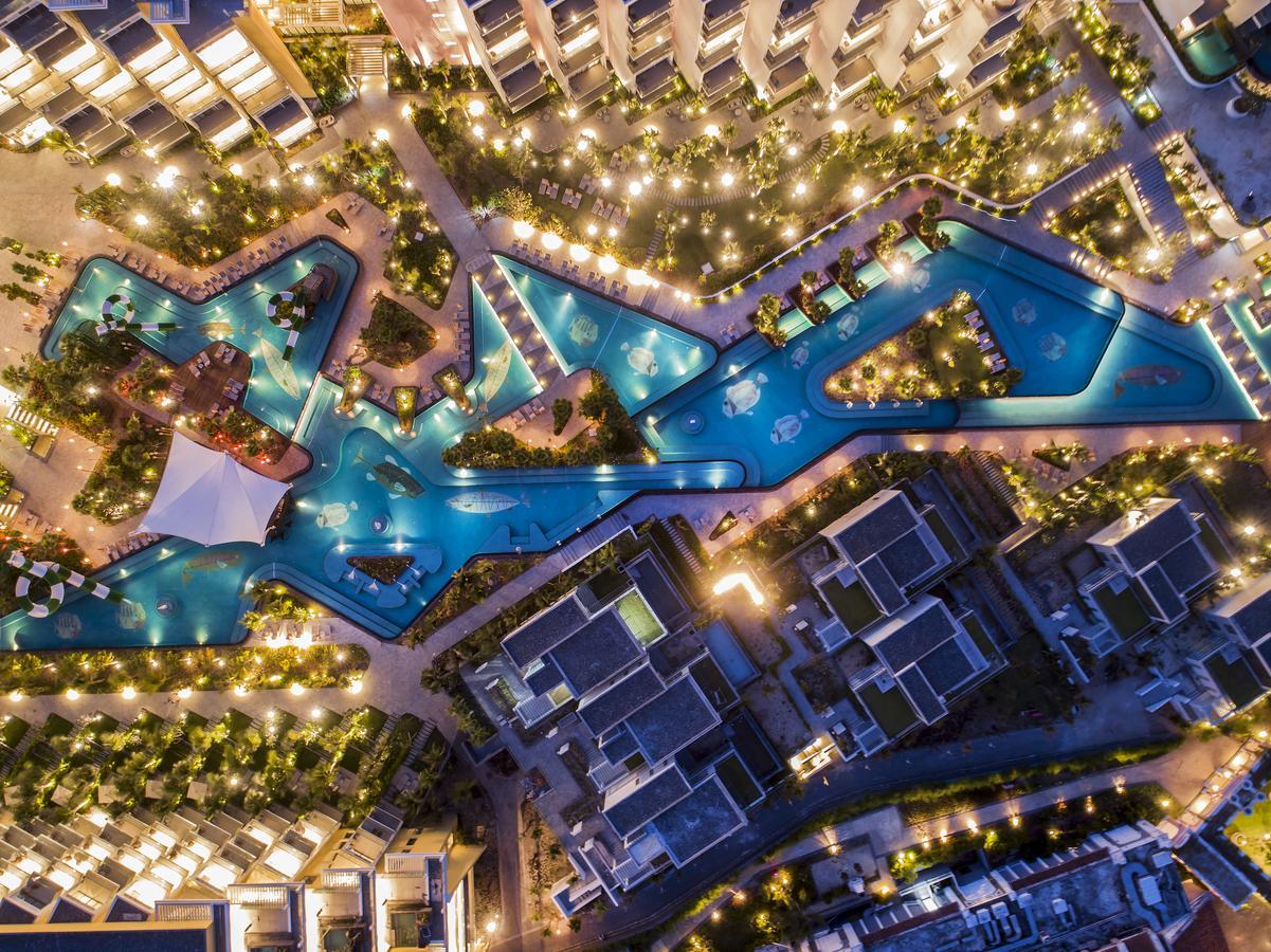 Отель на Фукуоке Premier Residences Phu Quoc Emerald Bay 5*