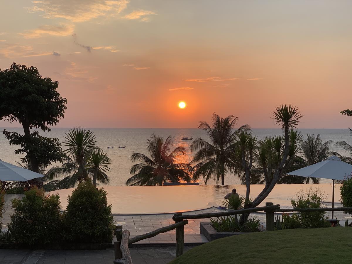 Отель Phu Quoc Eco Beach Resort на Фукуоке на 1 линии