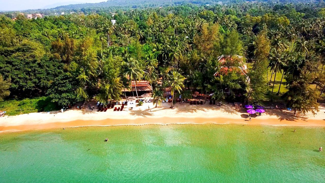 Отель Coco Palm Beach Resort & Spa 3* с собственным пляжем на Фукуоке