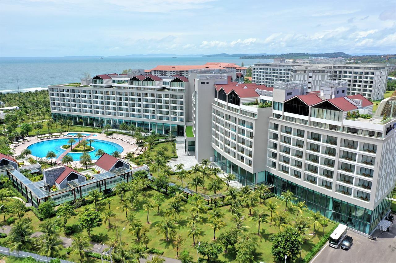 Отель Radisson Blu Resort Phu Quoc 5* на Фукуоке