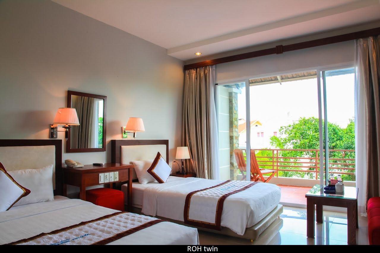 Номер-бунгало отеля Hoa Binh Hotel 4* на Фукуоке