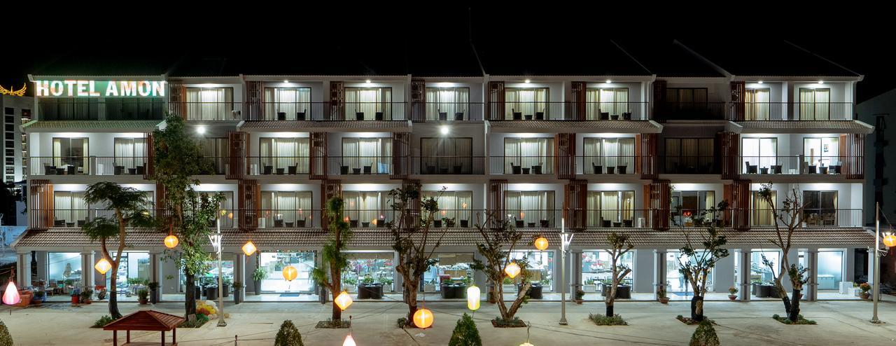 Здание отеля Amon Hotel 3* на Фукуоке
